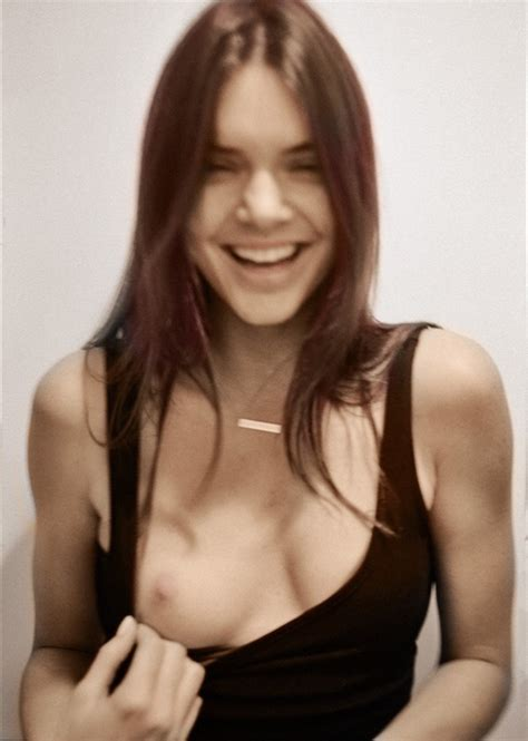 Kendall Jenner Nude Pics Videos That You Must See In