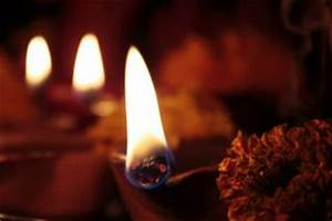 Four Earthen Lamps Diya On Diwali Photo Free Download
