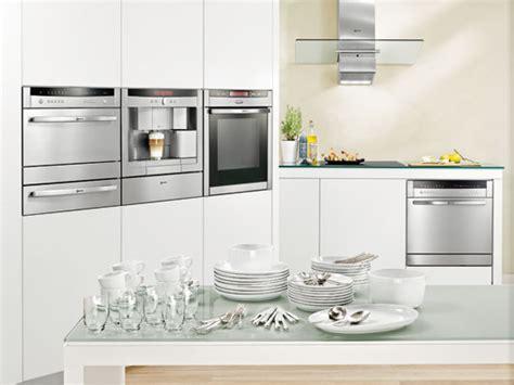 cuisine lave vaisselle en hauteur un lave vaisselle gain de place et encastrable inspiration cuisine