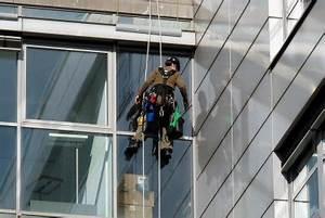 Fensterscheiben Reinigen Tipps : fensterscheiben glasklar putzen so wird s gemacht ~ Markanthonyermac.com Haus und Dekorationen