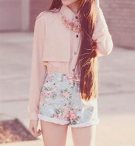 pink clothing on Tumblr