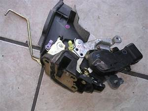 97 98 99 00 01 Lexus Es300 Door Latch Actuator Lock Oem