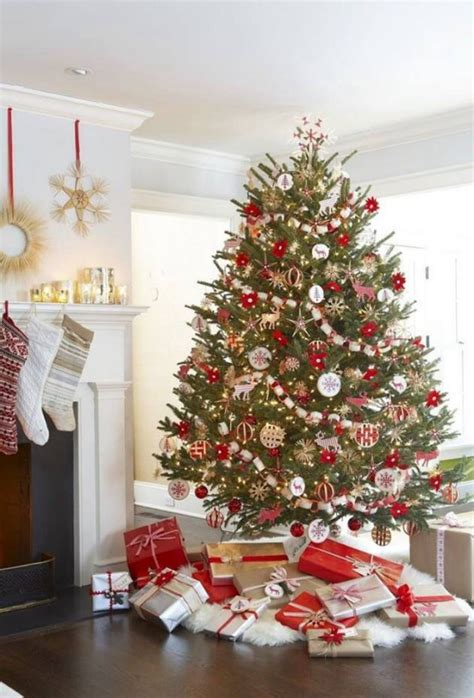 pretty christmas tree decorations 25 beautiful red and gold christmas decor ideas