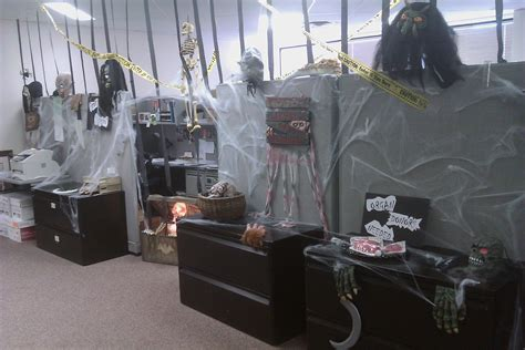 Scary Cubicle Halloween Decorating Ideas by Decorating Cubicles For Halloween Joy Studio Design