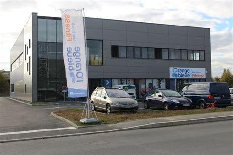 courtepaille siege livraison du siège de l orange bleue à rennes 1400 m2