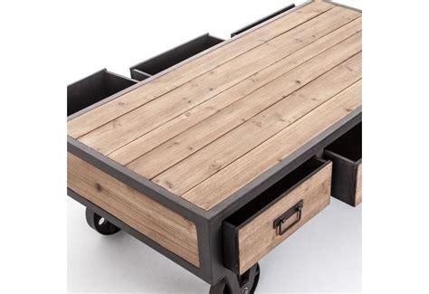 chambre bois massif contemporain table basse industriel sur roulettes en métal gris et en
