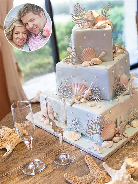 couples vow renewal cake signature