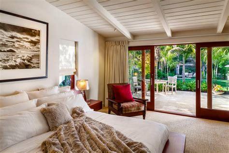modern tropical bedroom 24 tropical bedroom designs decorating ideas design Modern Tropical Bedroom