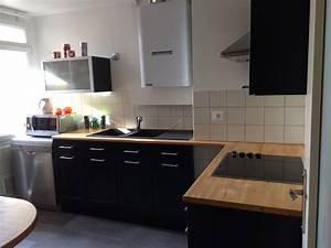 cuisine noir laque plan de travail bois cuisine idees With cuisine grise avec plan de travail noir