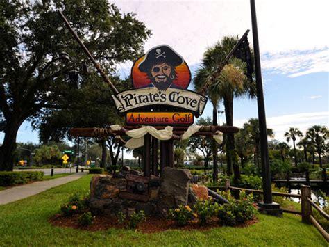 Pirate's Cove семейный стилизованный гольф-парк в Орландо