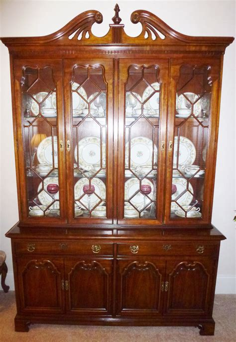 thomasville collectors cherry china cabinet ebay