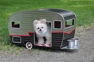 Fabriquer Mini Caravane : des niches dans un style caravane pour votre chien joli joli design ~ Melissatoandfro.com Idées de Décoration