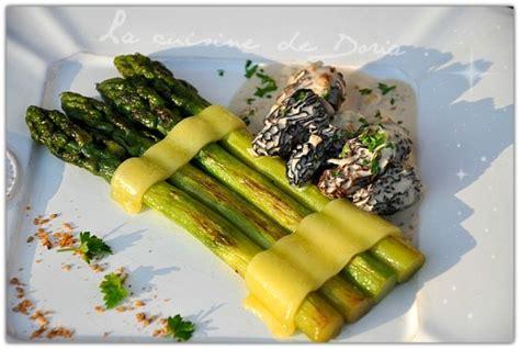 cuisiner les asperges vertes fraiches asperges vertes rôties au comté et morilles au vin jaune