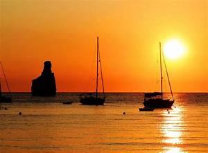 Cala Benirrás: Guía de Ibiza y sus playas Tripkay