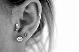 upper ear piercing | Tumblr