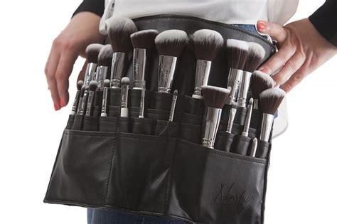 makeup skills  learn  cosmetology school