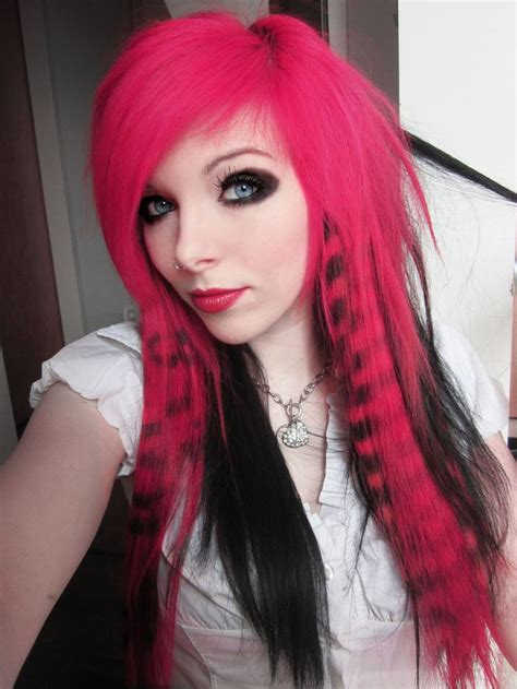 1000 Ideas About Girl With Purple Hair On Pinterest