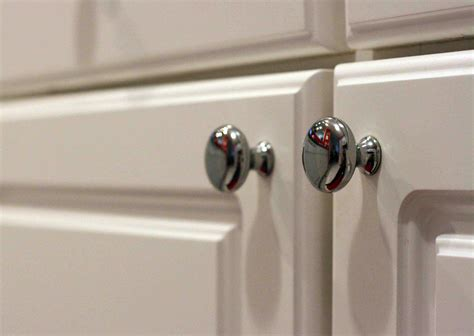 Kitchen Cabinet Doors With Knobs by Guidance On How To Measure Cabinet Knob Location