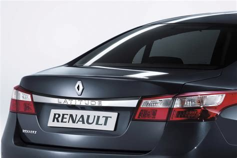 New Renault Latitude Sedan Takes Flagship Spot In Range