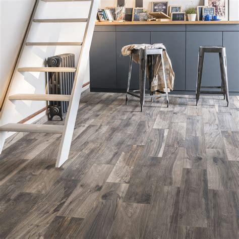 carrelage sol et mur brun cendr 233 effet bois elbe l 15 x l