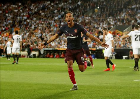 Watch Aubameyang score 3 goals as Arsenal destroy Sevilla ...