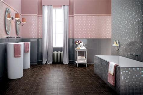 Shiny bathroom tile by Atlas Concorde ? Italian elegance