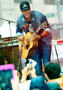 Luke Bryan Picture 1 - Luke Bryan Performs at The Today Show