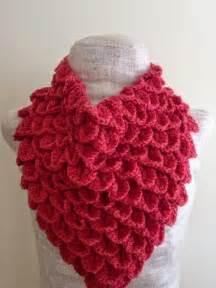 Free Crochet Crocodile Stitch Cowl Pattern
