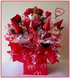 """HAPPY VALENTINE'S DAY"""" Candy Bouquet : Our combination of ..."""