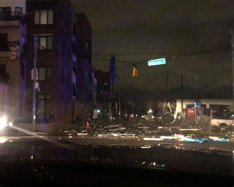 tornado hits downtown nashville    die