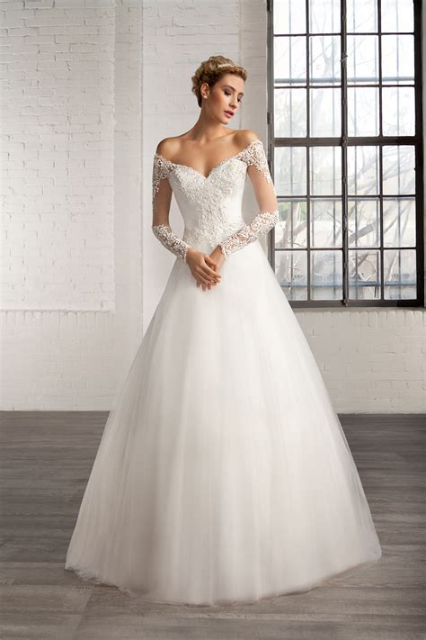 wedding gowns with sleeves beautiful lace bodice gown tulle wedding dress with sleeves
