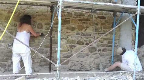 rasatura muri interni sassoerminia stuccatura con malta naturale di muro in