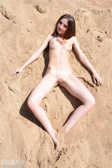 Non Nude Erotics Porn Clips