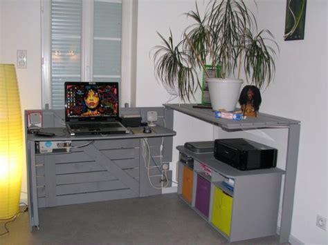 cachee bureau diy un bureau caché réalisé avec des palettes floriane