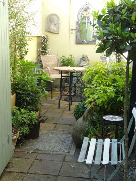 small courtyard gardens ideas  pinterest