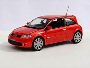 Diecast Passion  Renault Megane Rs  2004