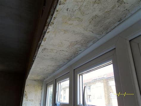 Plaster inside window reveal/re skimming plaster