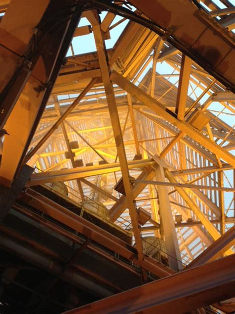top  atlanta throughglass bank  america plaza roof