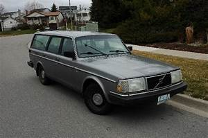 1990 Volvo 240 - Pictures