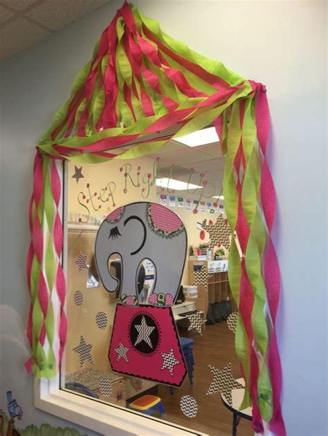 best 25 preschool circus theme ideas on 874   af01f0a3e553592093ab13ce21ff96ff circus preschool theme circus theme classroom