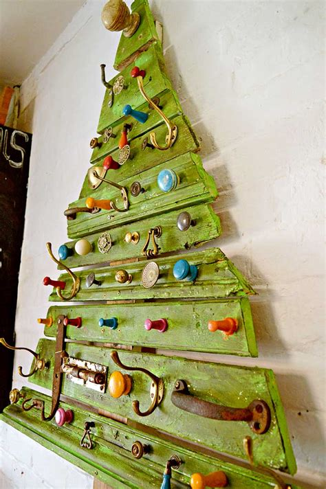 unique diy wooden christmas tree  knobs  pillar