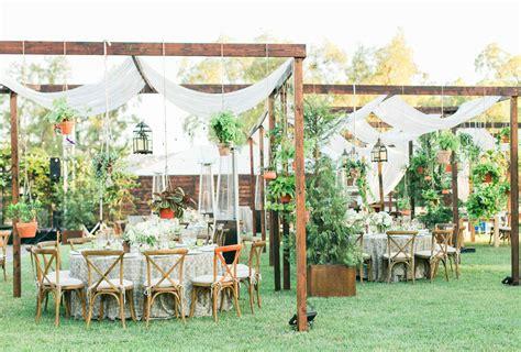 Backyard Wedding by 36 Inspiring Backyard Wedding Ideas Shutterfly