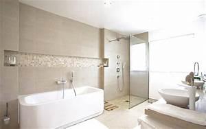 trouver la baignoire ideale pour votre salle de bain With salle de bain petite taille