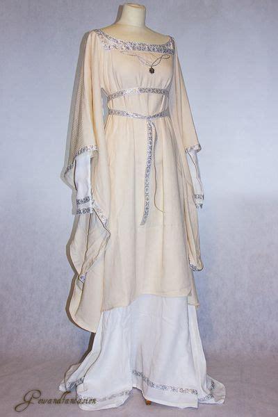 hexe kostüm mittelalterkleid brautkleid matilda einzelst 252 ck gewandfantasien auf dawanda kleider