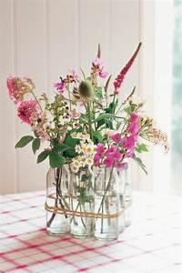 Vasen Dekorieren Tipps : deko vase mit blume wohn design ~ Eleganceandgraceweddings.com Haus und Dekorationen