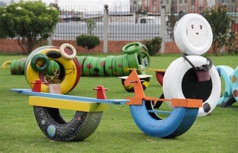 parques infantiles 250 nicamente con productos reciclados