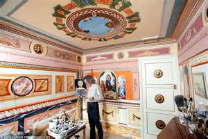 Retired decorator paints house to look like Sistine Chapel