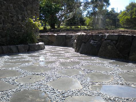 paving stepping stones
