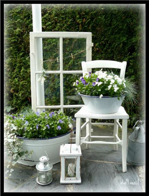 Holz Deko Garten by Alte Fenster Als Deko Im Garten Home Ideen