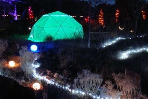 christmas light displays  brighten   holidays